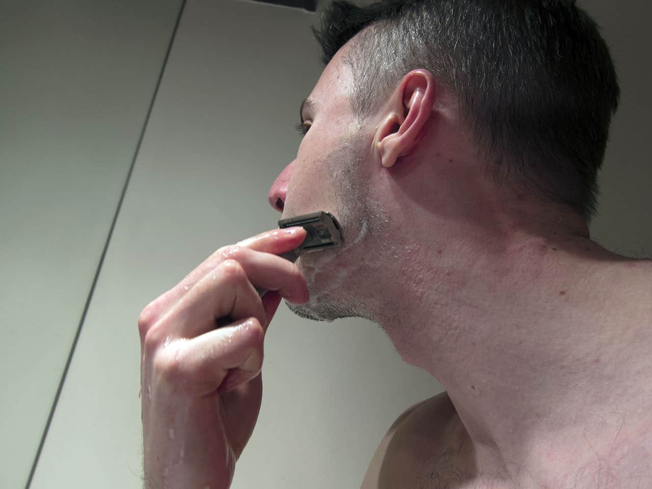 shaving-with-a-rockwell-s6-safety-razor