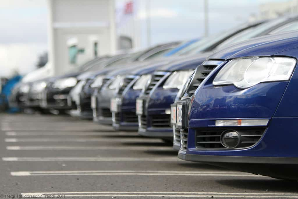 Positives Of Buying New Car