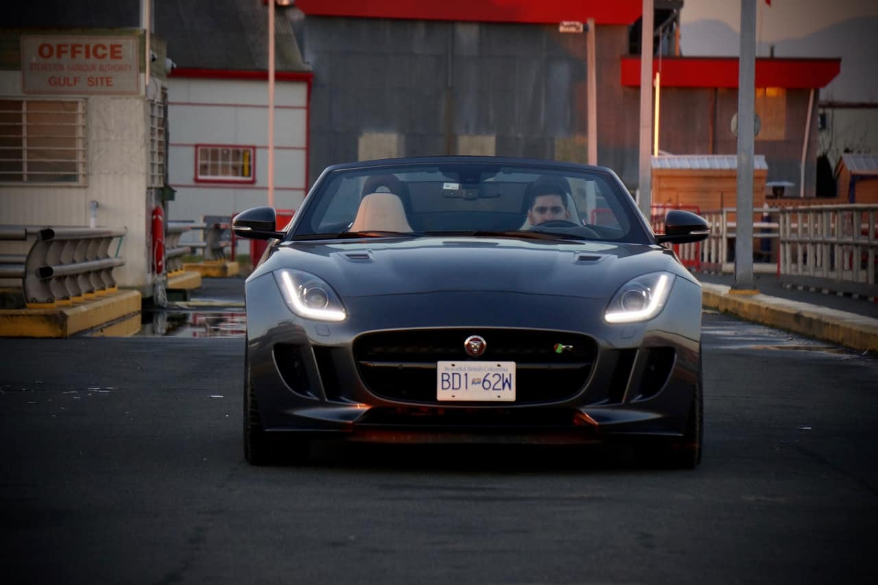 2016_Jaguar_F-Type_R_AWD_Review_2