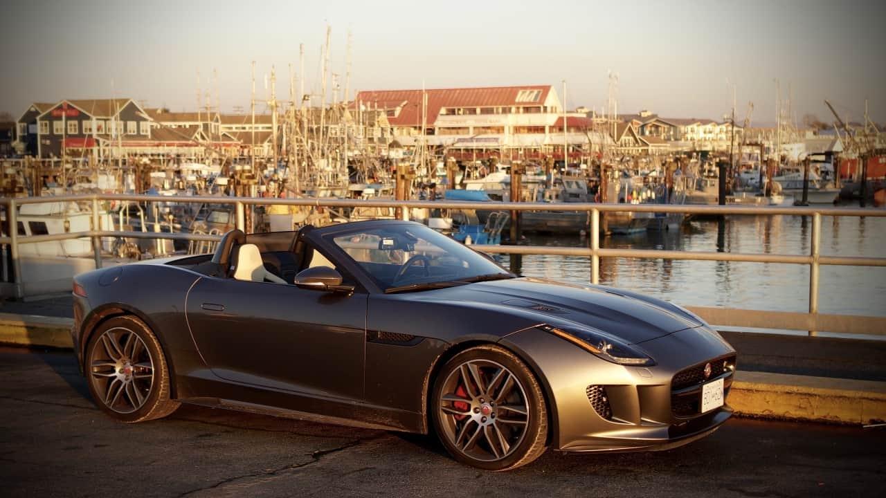 2016_Jaguar_F-Type_R_AWD_Review_5