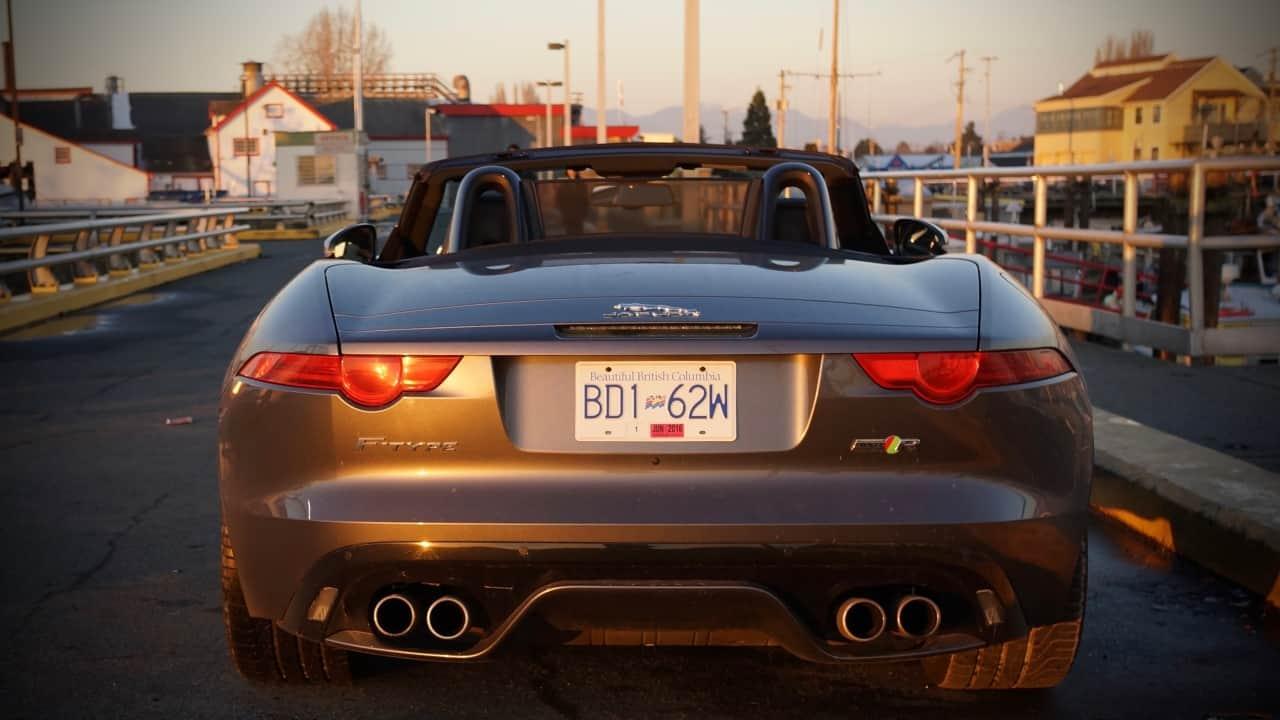 2016_Jaguar_F-Type_R_AWD_Review_6