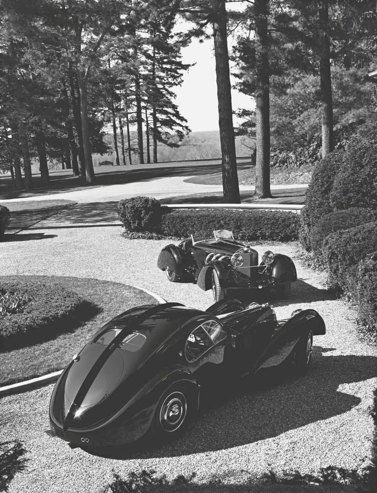old-bugatti-car