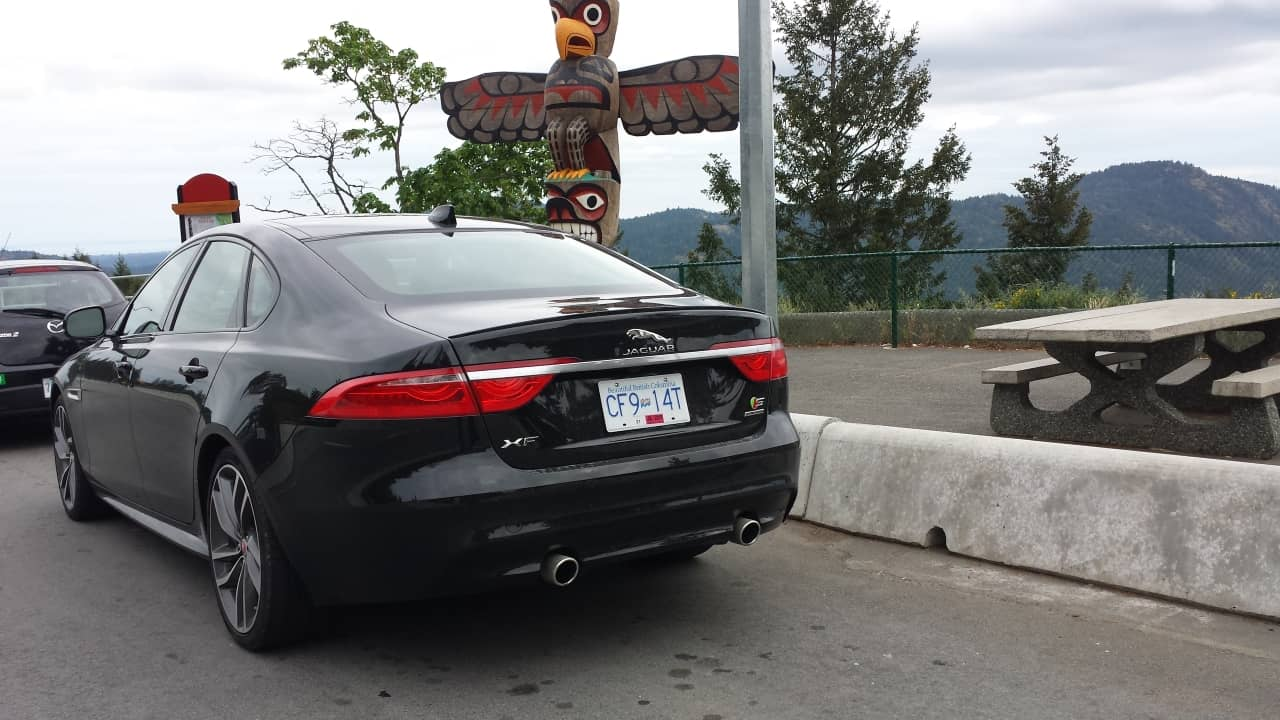 2016_Jaguar_XF-S_Review_7