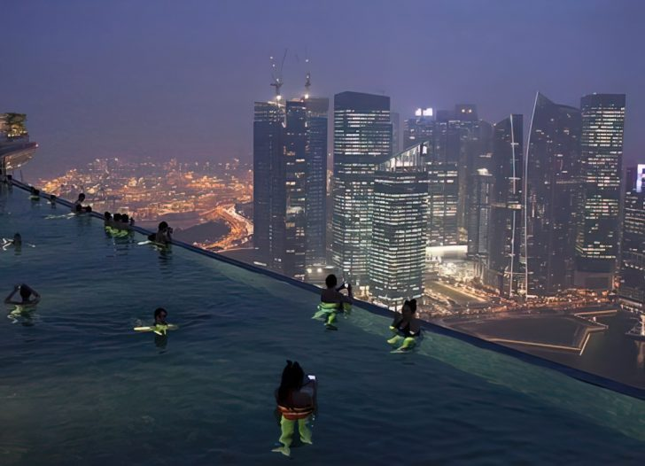 infinity pool marina bay sands in singapore