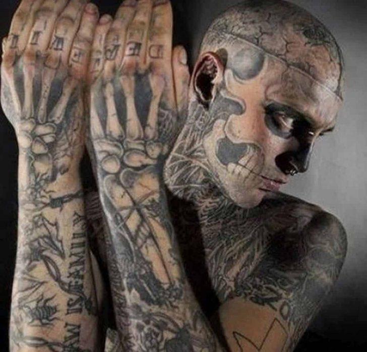 skull tattoo man