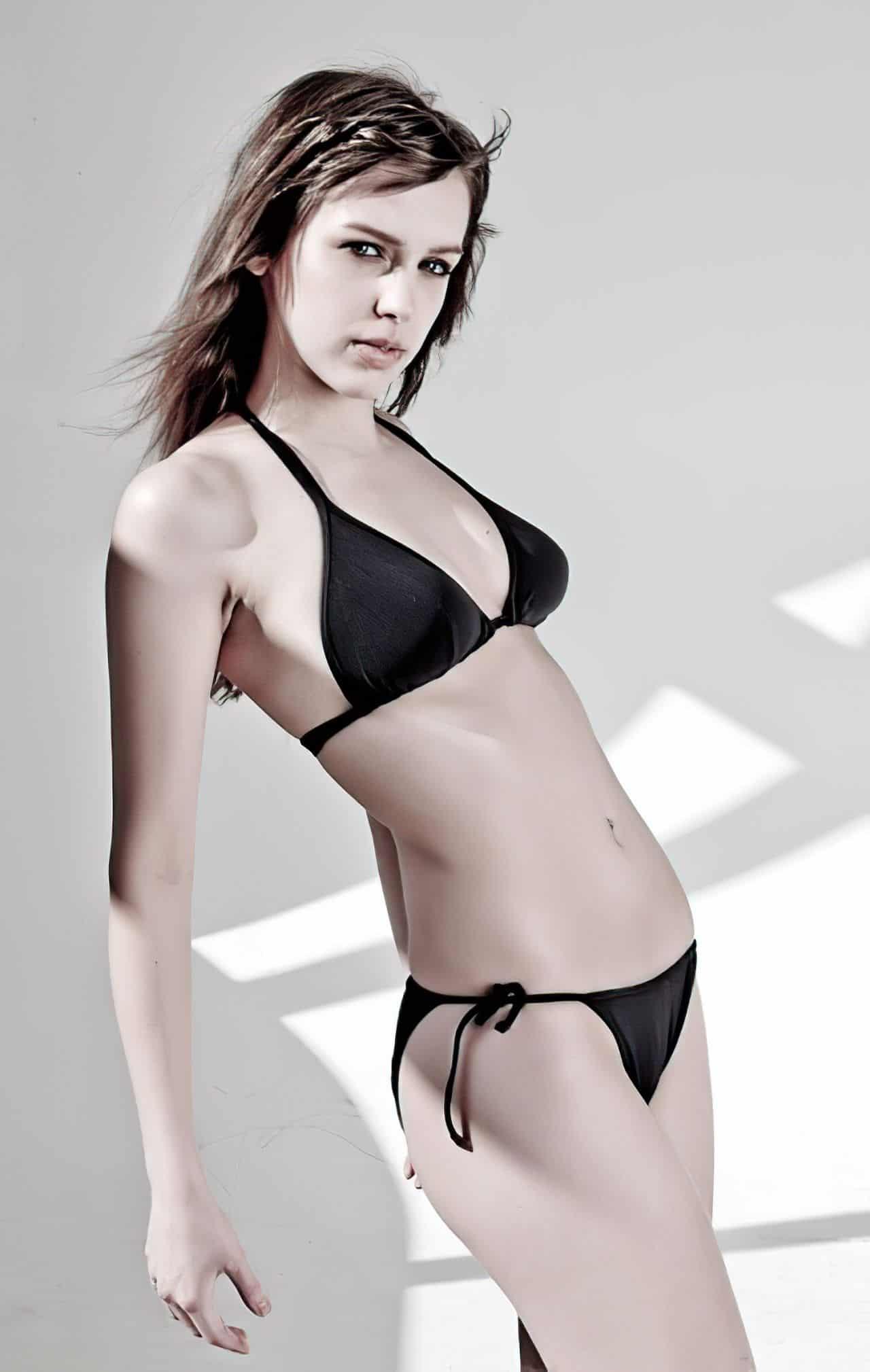 stefanie joosten bikini enlarged