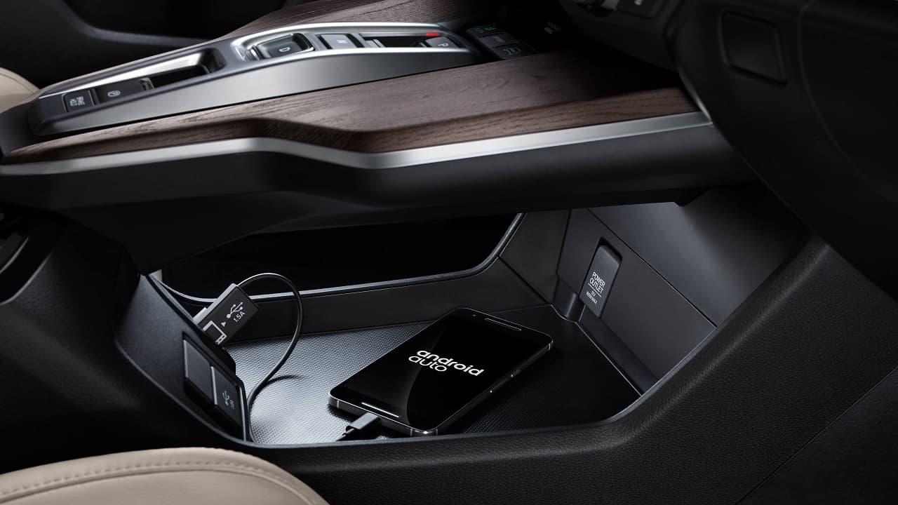 2018 Honda Clarity PHEV Review 11