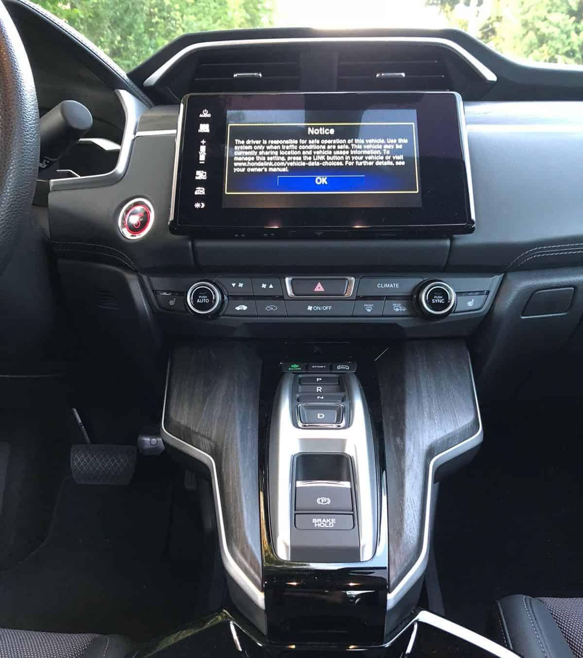 2018 Honda Clarity PHEV Review 9