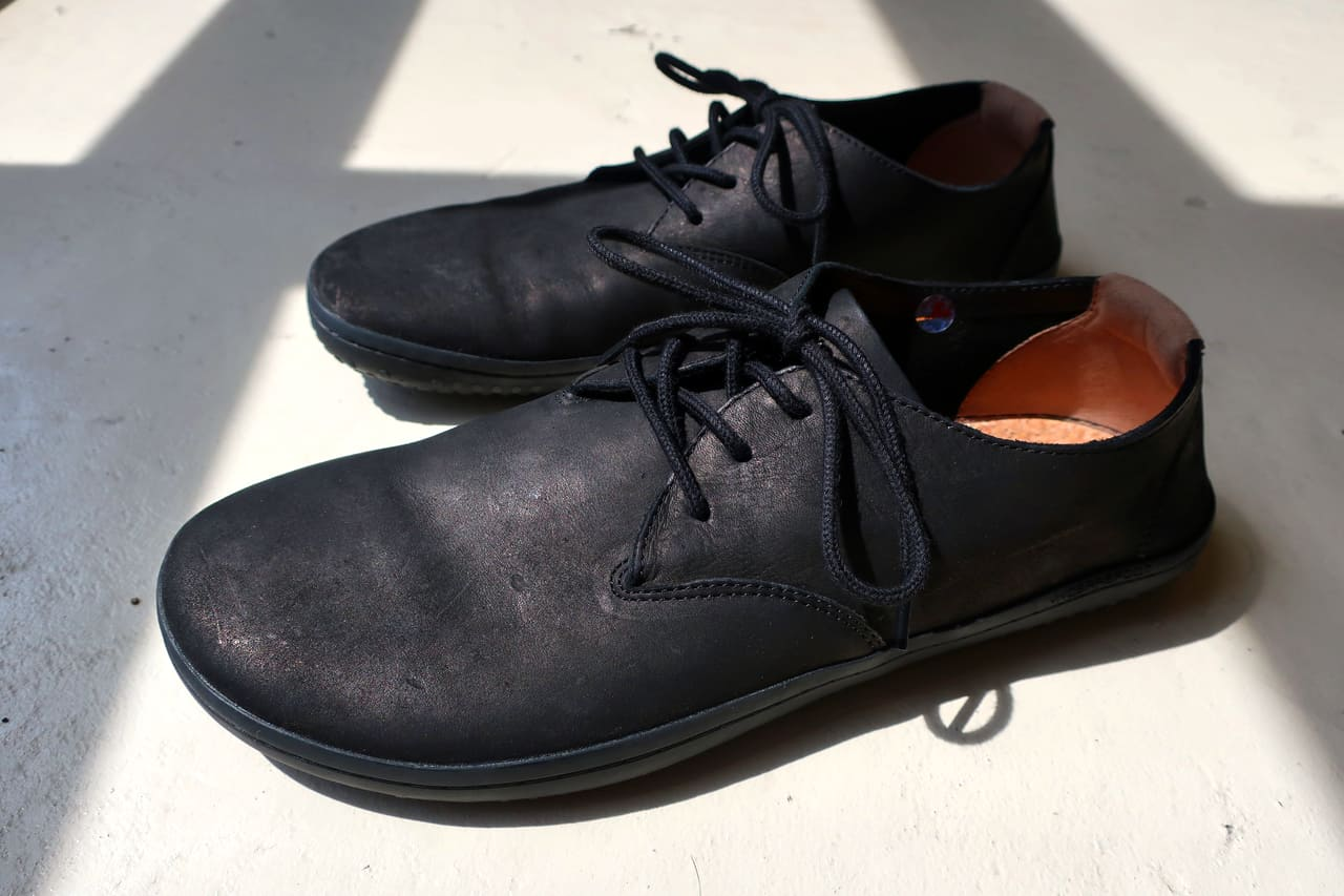 vivobarefoot ra ii in light