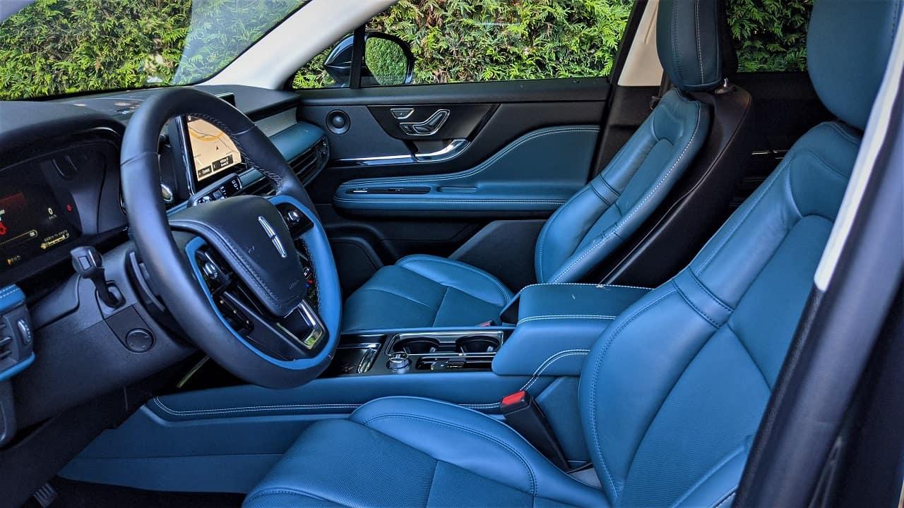2020 Lincoln Corsair blue interior