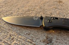 Benchmade 535BK 2 BUGOUT knife