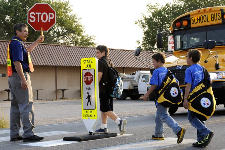 how much does a crossing guard make