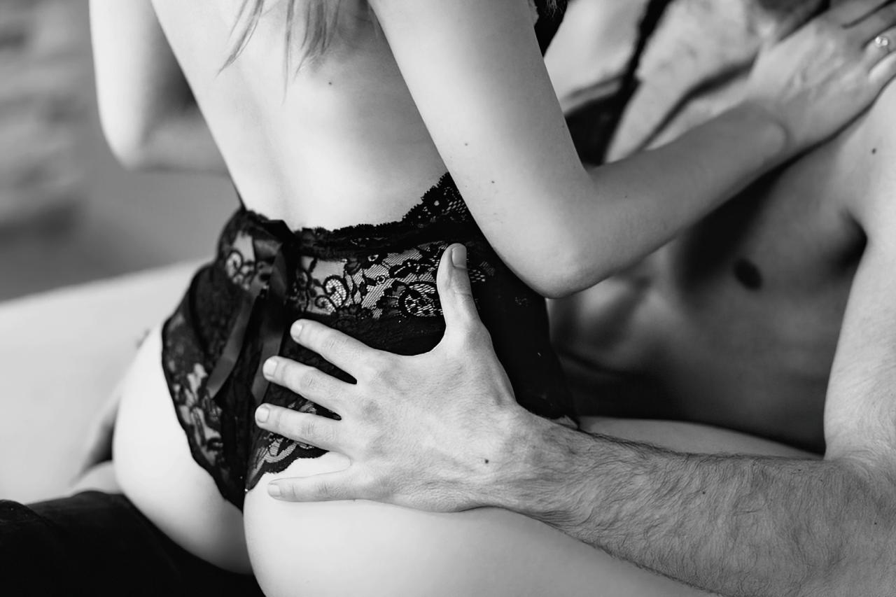 woman wearing black lingerie