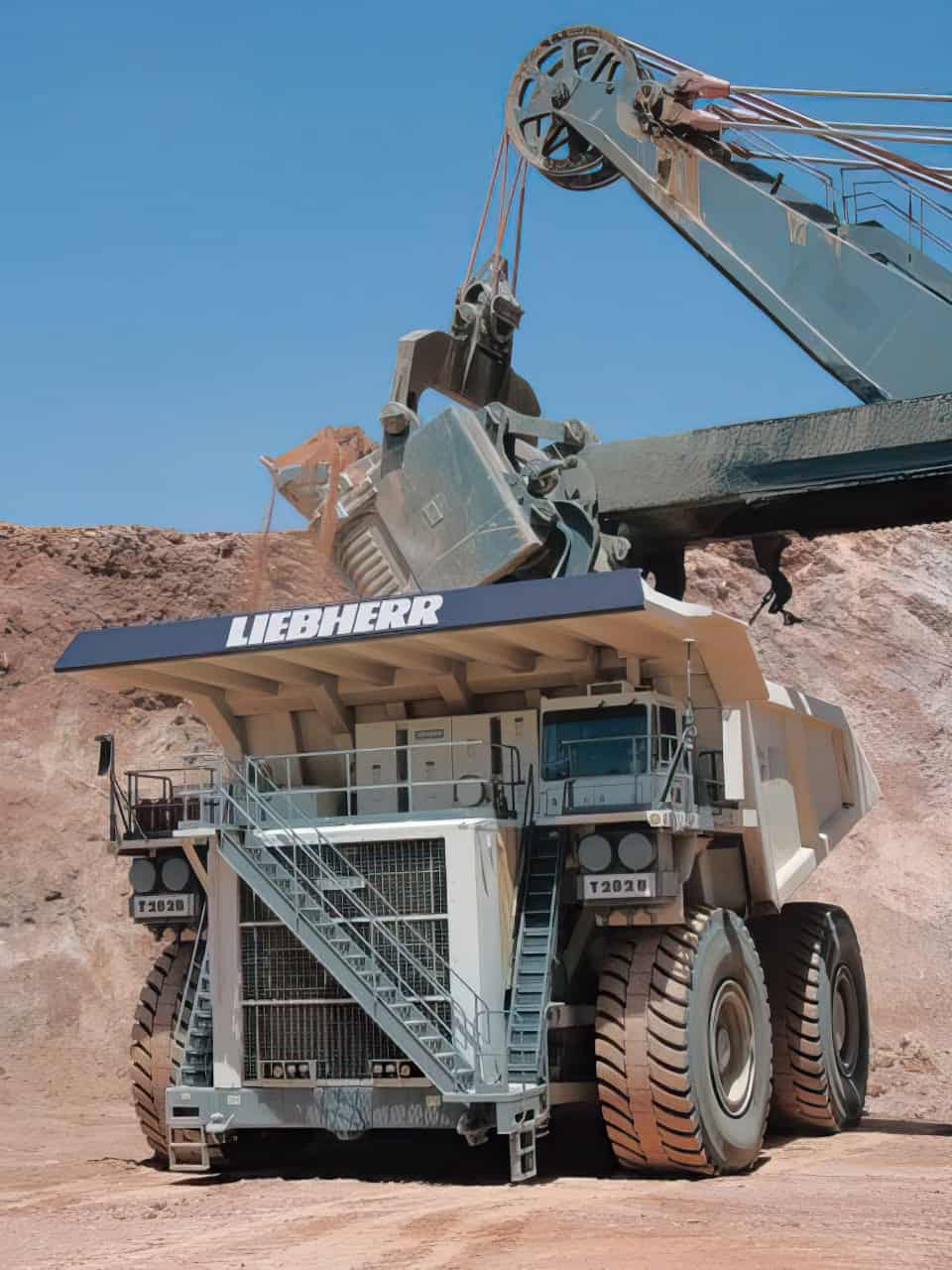 Liebherr T282B Dump Truck enlarged