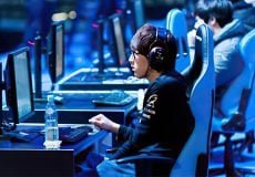 korean gamer playing