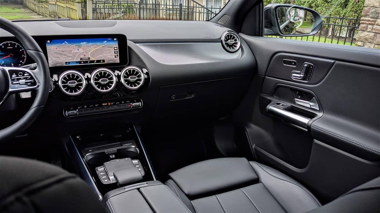 2021 GLA 250 4MATIC interior