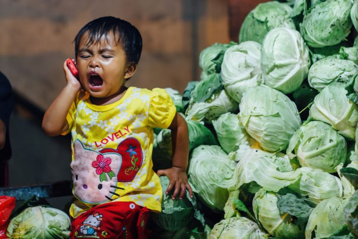 child using cellphone