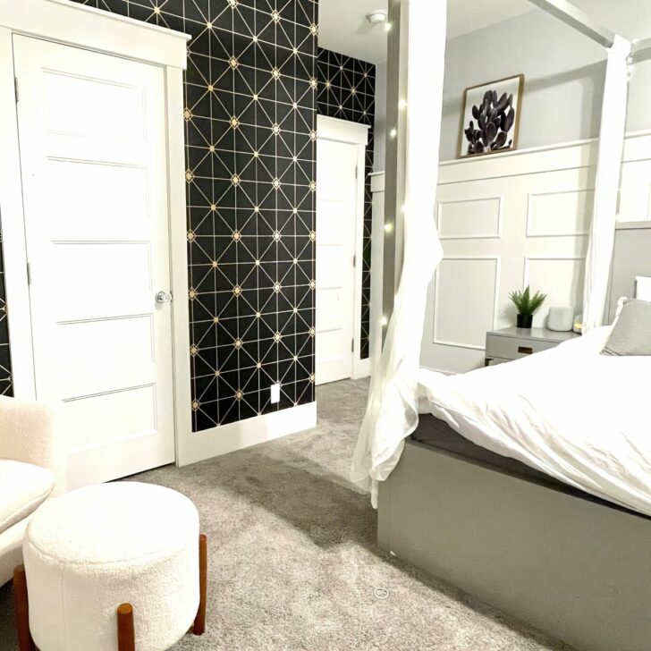temporary black wallpaper geometric design