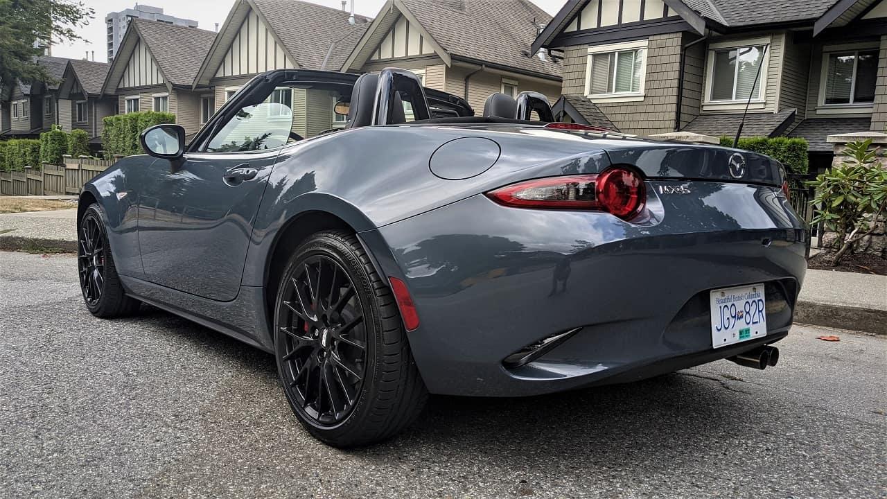 2021 Mazda MX 5 side
