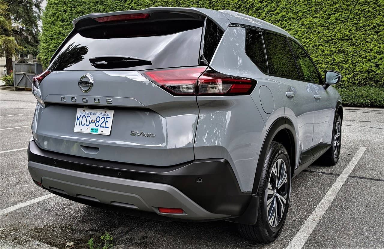 2021 Nissan Rogue back
