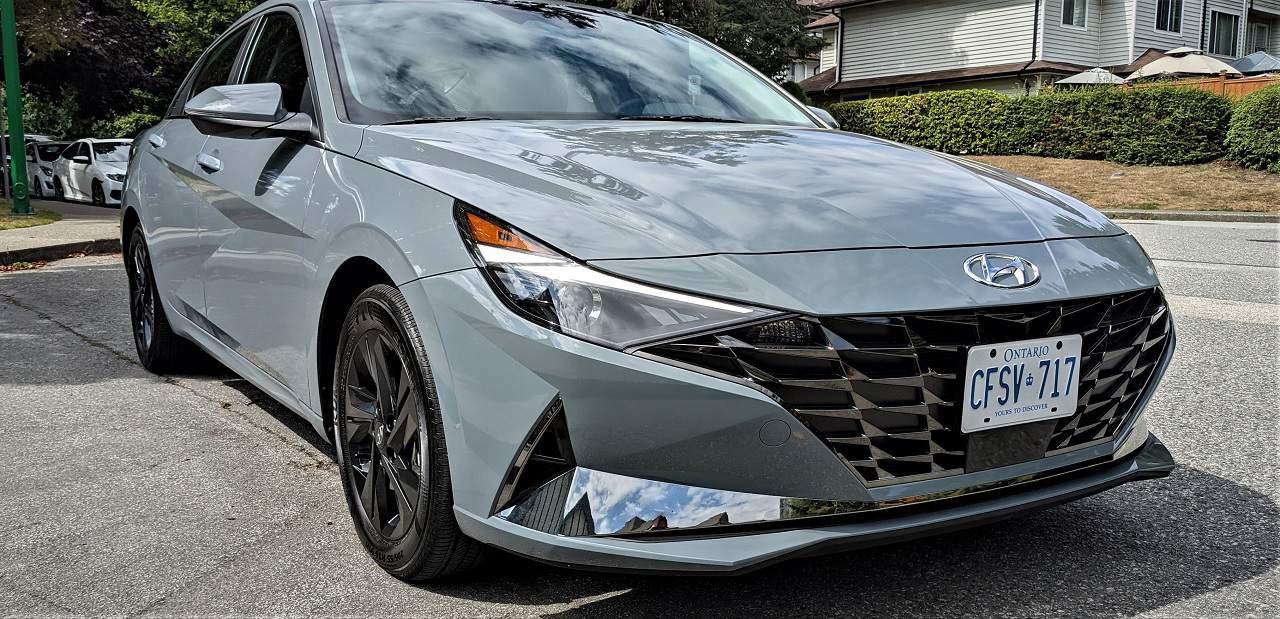 2022 Hyundai Elantra HEV Review