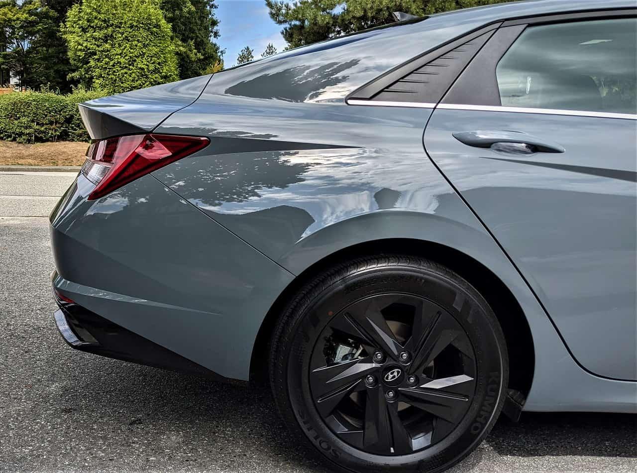 2022 Hyundai Elantra Hybrid trunk
